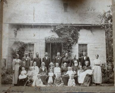 Standing family 1900